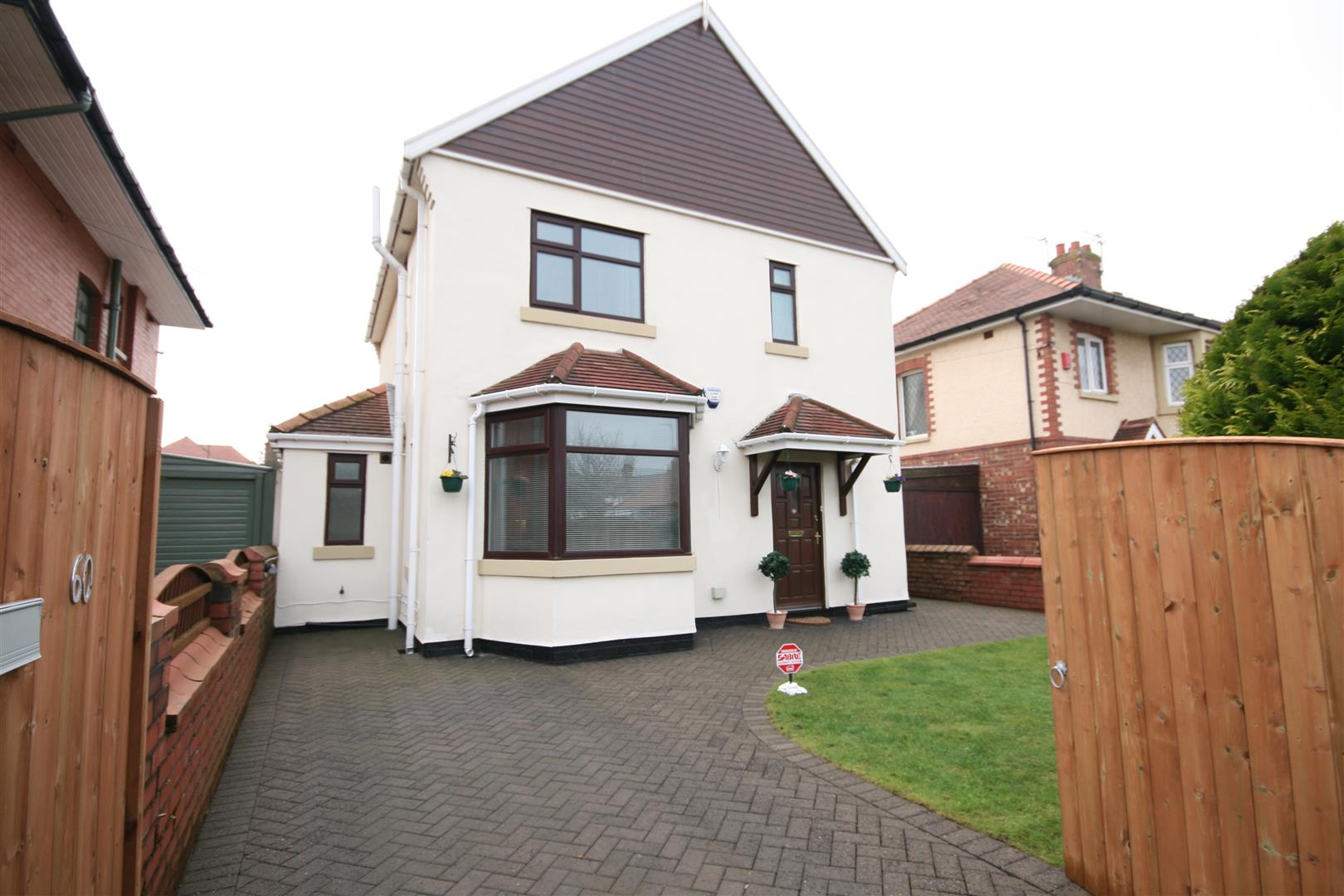 3 Bedrooms Detached House for sale in Kingsway, Fairhaven, Lytham St. Annes
